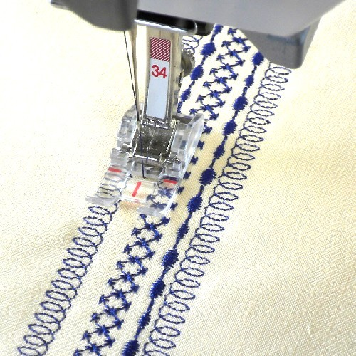 Bernina #34 Reverse Pattern Foot with Clear Sole