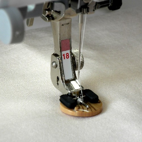 Bernina #18 Button Sew On Foot