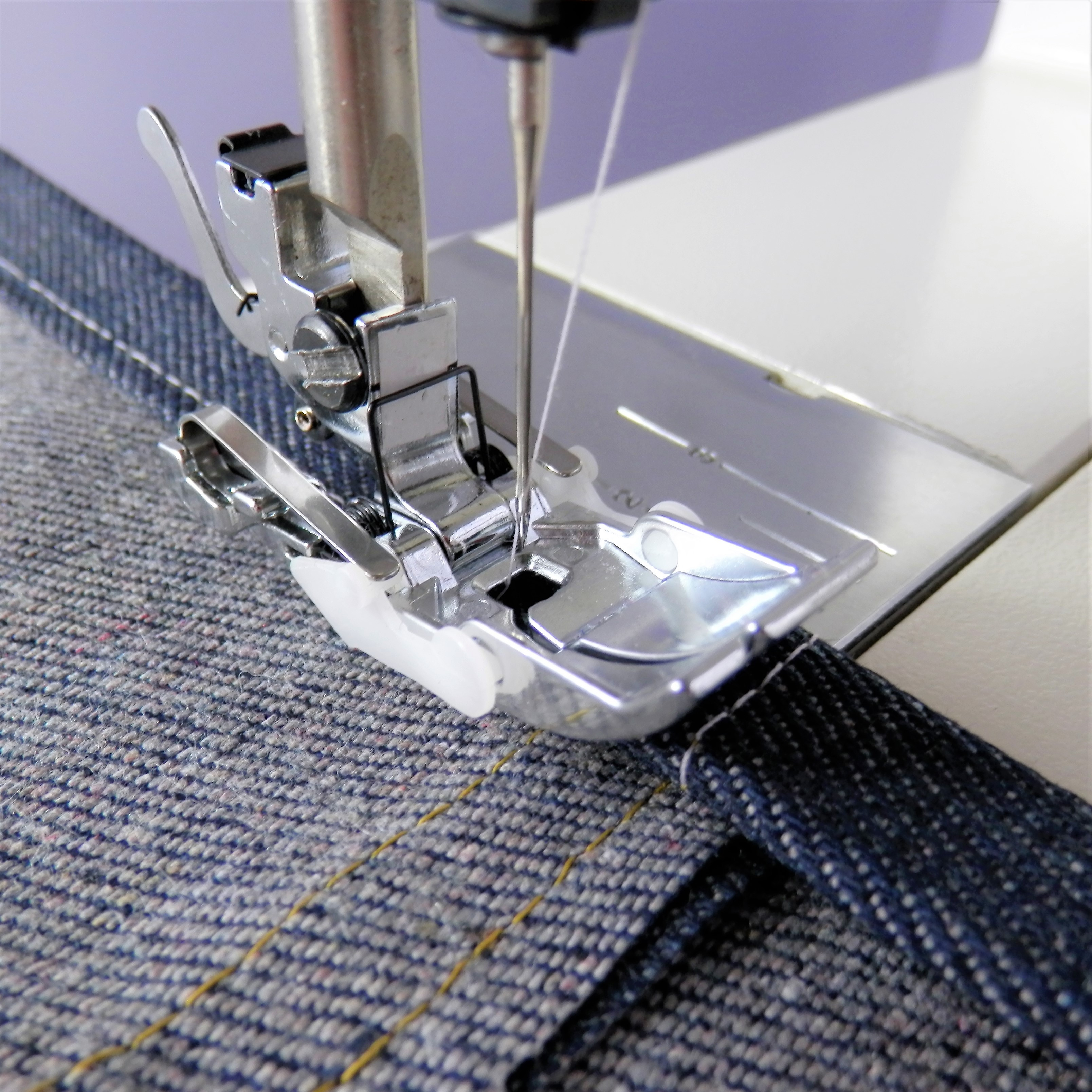 Magic Jeans Hemming Foot for High Speed Straight Stitch Machines