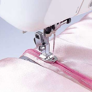Invisible Zipper Foot for High Speed Straight Stitch Machines